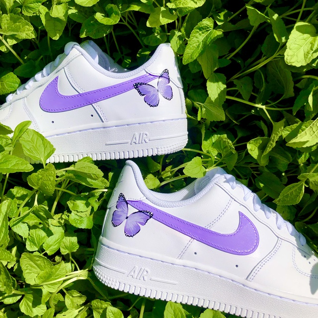LILAC BUTTERFLY NIKE AIR FORCE 1??